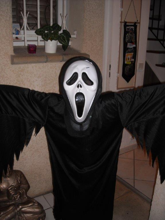 Ghostface Serial Killer: Real Life Scream Mask Murders (Kids